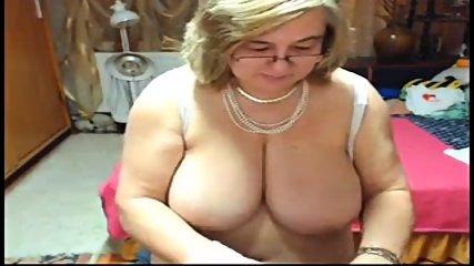 big tit reifen mit einem schönen big ass