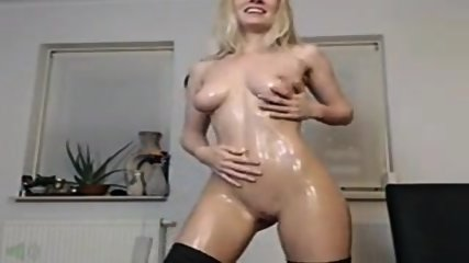Sexy Blonde Olie En Cream Cum - scene 10