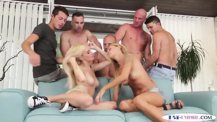 Bisexual studs bang asses and cunts in group