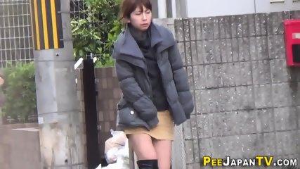 Japanese hos public pee