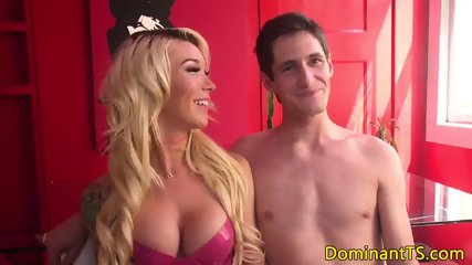 Dominant ts babe rimmed and cocksucked