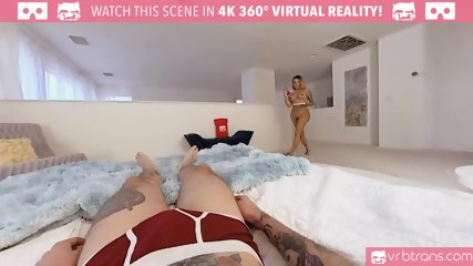 TS VR Porn-Sexy tranny TS Foxxy gets fucked in her tight ass and Blowjob