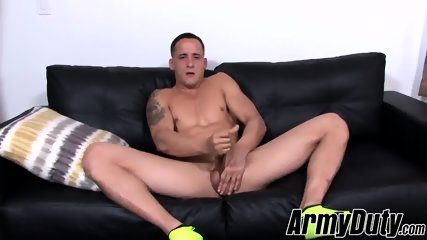 Stunning soldier Max J with nice big dick jacking off raw