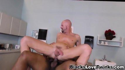 Muscly Hunk Sucks Bbc