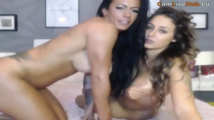 HOT TANNED LESBIANS EAT EACHOTHER OUT WILD