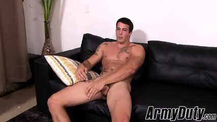 Muscular hunk Ty ll jacks off his beefy stick solo