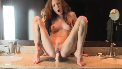 Super Horny And Hot Body Redhead Milf Fucks Her Dildo In Bath - scene 5