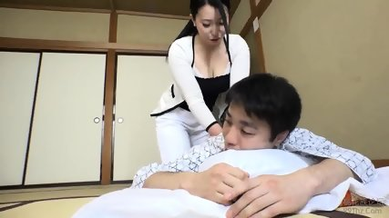 Japanese Babe - scene 10