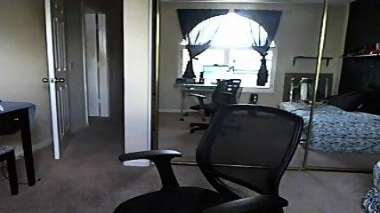 Webcam Solo Avec Une Milf Blonde Obèse Doigté Sa Chatte - scene 4
