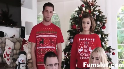 Step-Sis fucked me during family chritmas pictures | FamSlut.com