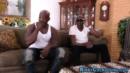 Cuckolding wife gets oral