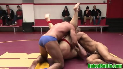 Muscular wrestling hunks cocksucking foursome