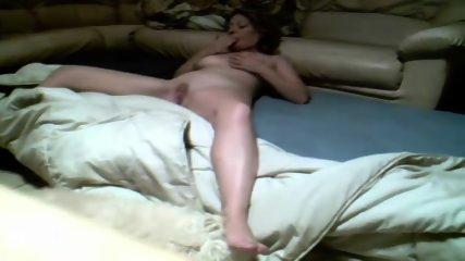 Mom Fingering On Hidden Cam - scene 3