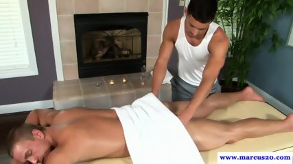 Ripped straight jock cocksucks after massage