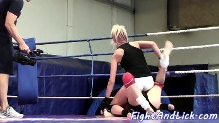 Faketit wrestling babe gets pussylicked