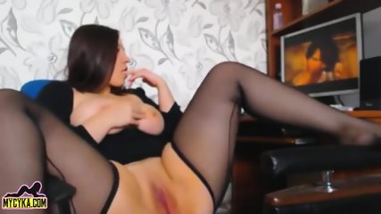 Chubby Brunette Girl Masturbating to Porn | Continue on MyCyka.com