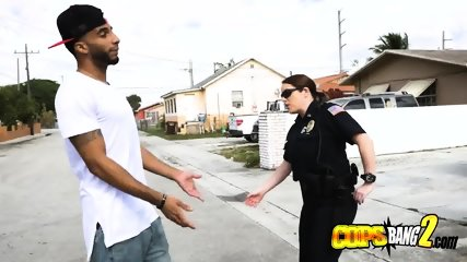 Skinny dude gets to bang blonde cop