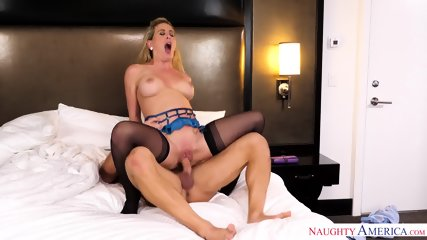 Housewife Loves Hardcore Sex - scene 10