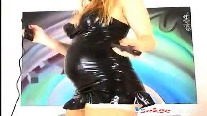 4 months pregnant blonde on livecam - scene 8