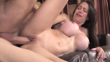 Sexy Mom Gets Creampied - scene 9