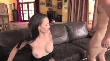 Sexy Mom Gets Creampied - scene 4