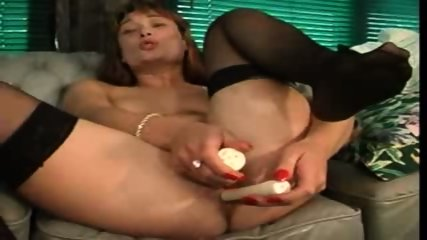 UK Babe Dildos Both Holes - scene 4
