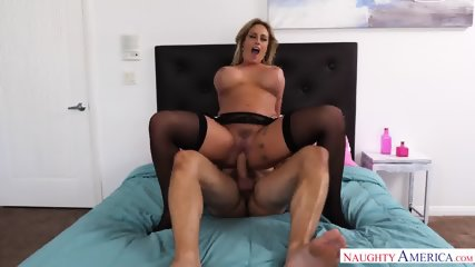 Naughty Housewife Gets Fucked Hard - scene 7