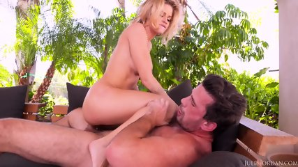 Anal Adventure On Holidays - scene 9