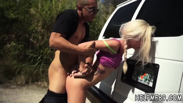 Hardcore bondage Halle Von is in town on vacation with her boycrony