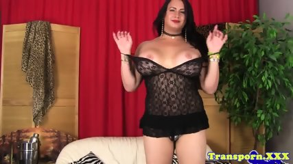 Alluring trans babe wanks her hard cock