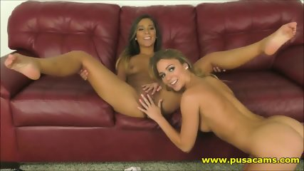 This Hot Naked Girls are The Most Sexy Tanned Teens