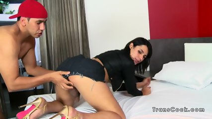 Round ass tranny rimmed and anal fucked
