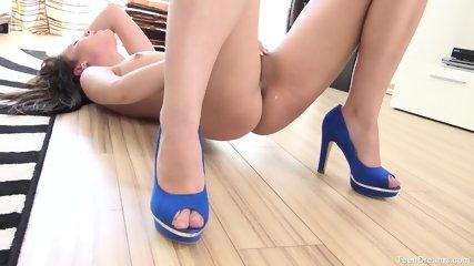 Hottie With Blue High Heels - scene 11