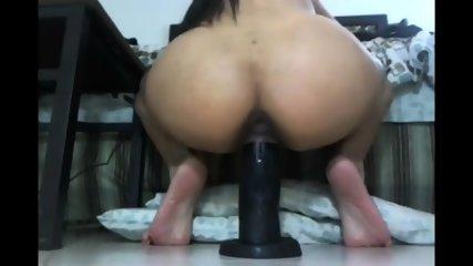 Girl Fits 3 Dildos In Pussy - scene 2