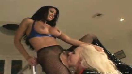 Teanna and Hanna, lez me lick you 2 - scene 8