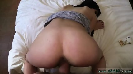 Arab couple at home 21 yr old refugee in my hotel apartment for sex - scene 7