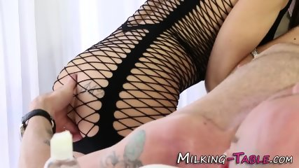 Sexy masseuse sucking rod