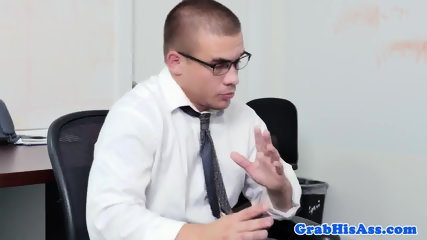 Office hunk drilled in threesome scene