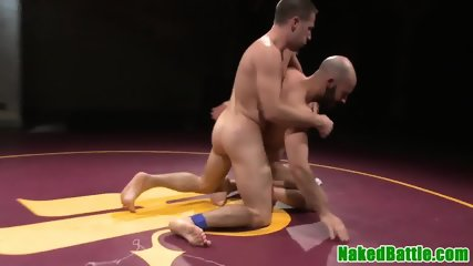 Ripped wrestling hunks assfucking deeply