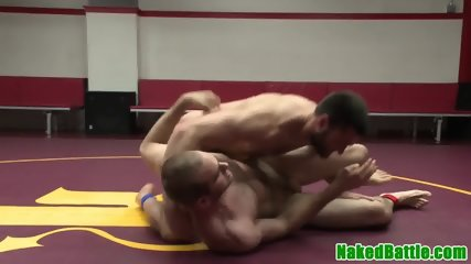 Muscular jock assfucked after wrestling