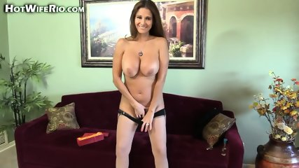 Hot Mom Plays With Dildo - scene 7