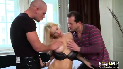 blondie gets double penetrated