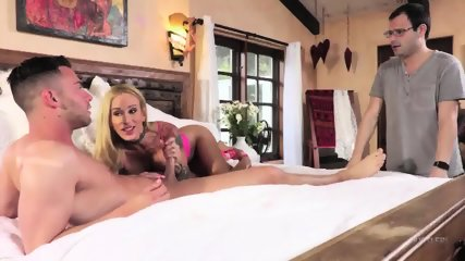 Tattooed Babe Caught On Sex - scene 3