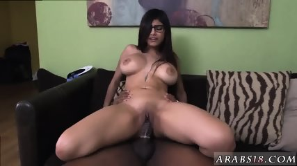 Arab hot dance and girl Mia Khalifa Tries A Big Black Dick