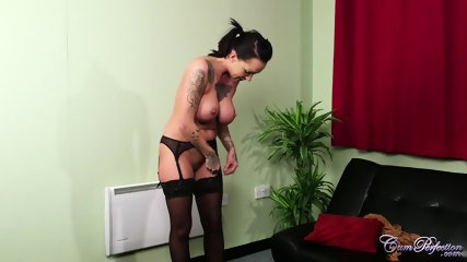 Tattoed Babe Receives Amazing Facial - scene 3