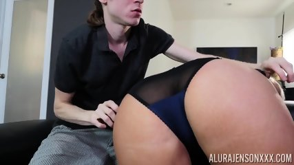 Taste Of Mommy's Round Ass - scene 4