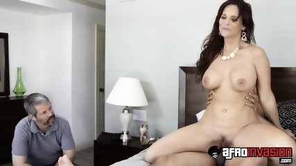 Housewife Jumps On Black Cock - scene 6