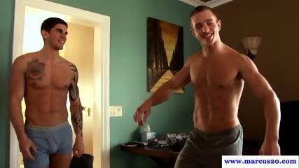 Muscle hunk cum covered after rimming in trio
