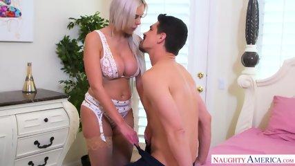Dose Of Pleasure For Horny Mom - scene 3