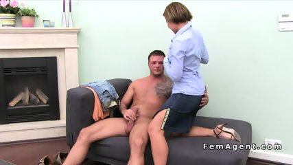Female agent fucks muscular amateur guy